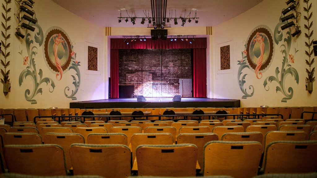 Yuma showing interior views and theater scenes