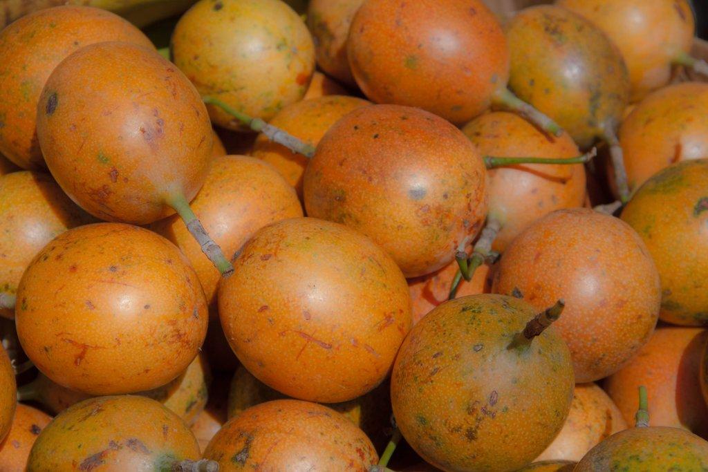 Fruit-Maracuya-Photo-Dottydot.jpg?1542384955