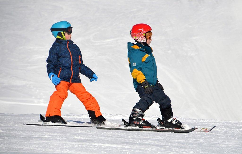 Children_ski_cc0.jpg?1543158436