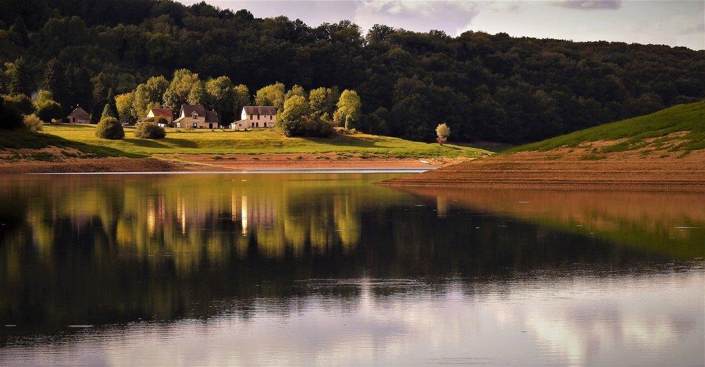 Bourgogne_CC0.jpg?1544608213