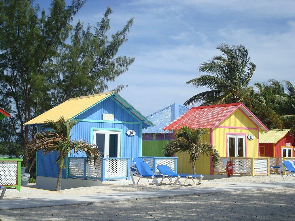 Bahamas_architecture_CC0.jpg?1545993346