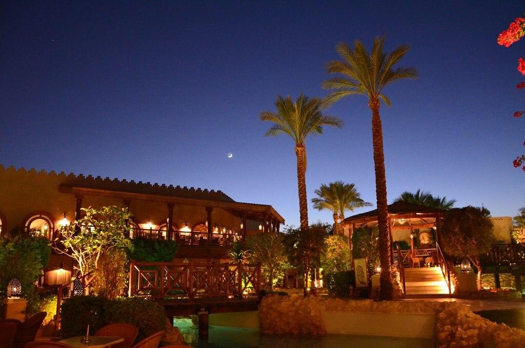 Sharm_el_sheikh_by_night_CC0.jpg?1545741647
