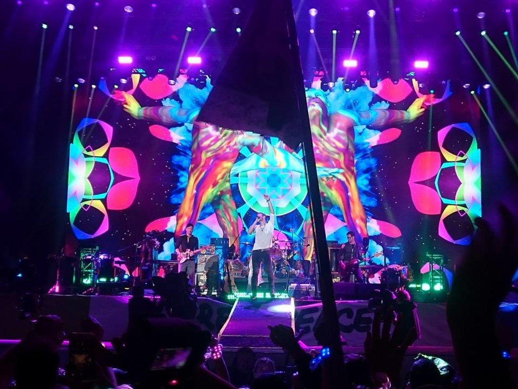 Coldplay_at_Glastonbury_2016__283_29.jpg?1561726576