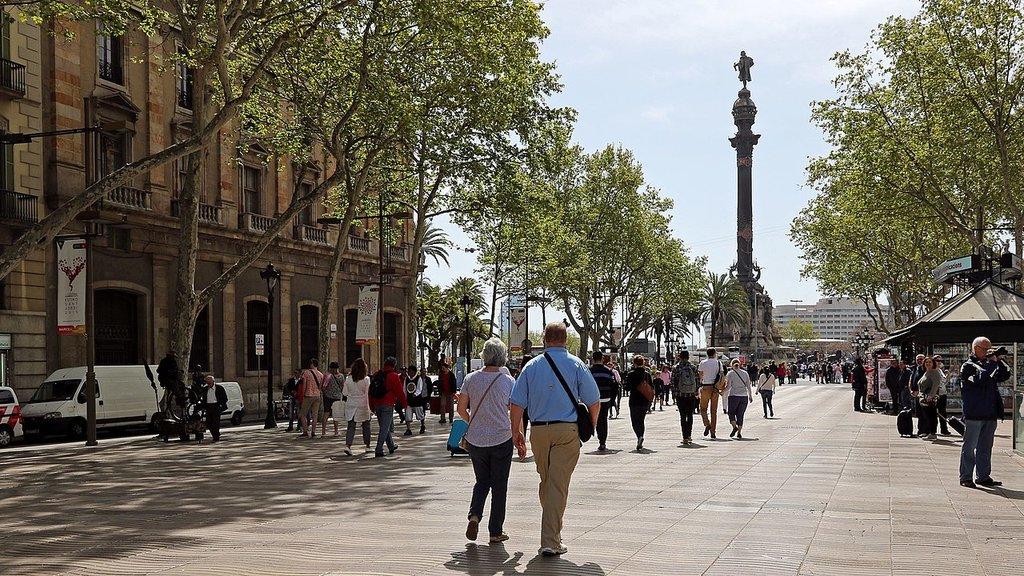 1280px-Spain_-Barcelona__La_Rambla_and_Mirador_de_Colom_-_panoramio.jpg?1567858280