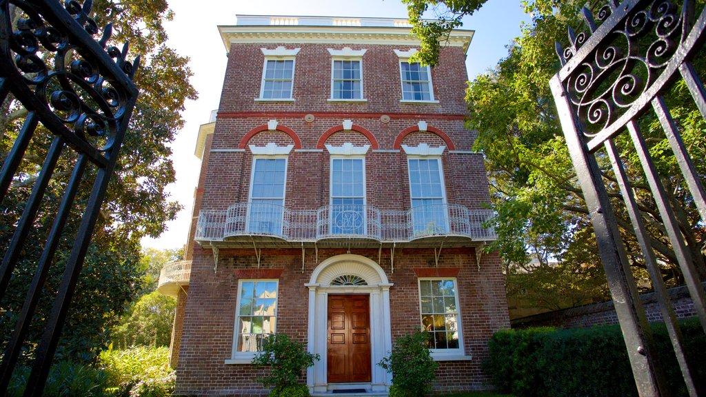 Nathaniel Russell House caracterizando uma casa e elementos de patrimônio
