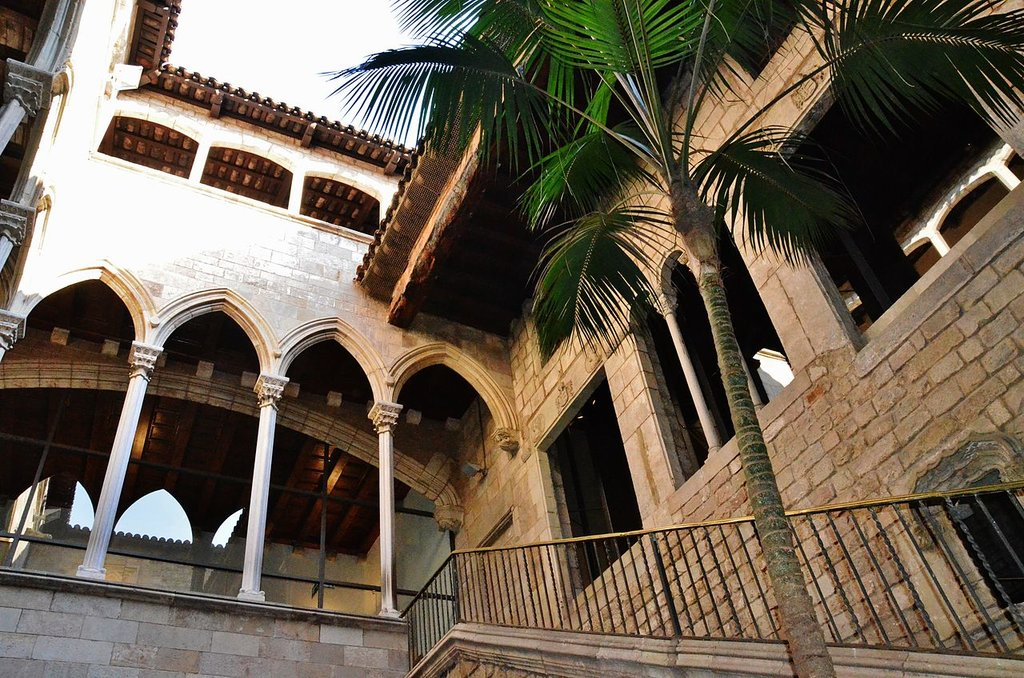 WLM14ES_-_Museu_Picasso__Ciutat_Vella__Barcelona_-_MARIA_ROSA_FERRE.jpg?1568231036