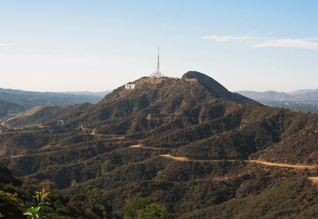 Mount_Lee_and_Hollywood_sign.jpg?1568286127