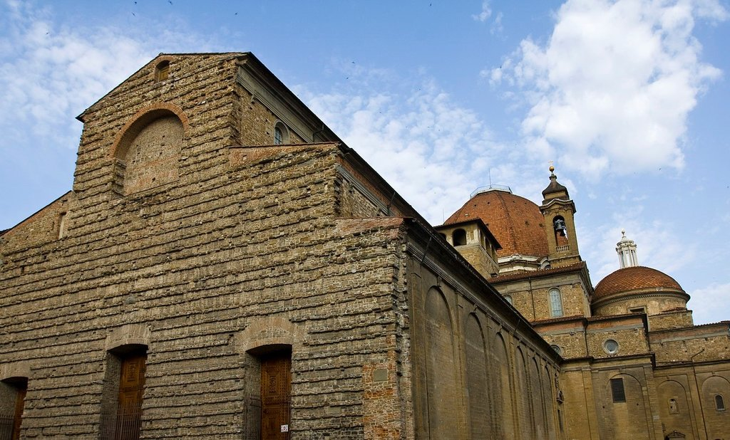 1620px-Basilica_of_San_Lorenzo_Florence.jpg?1569833483