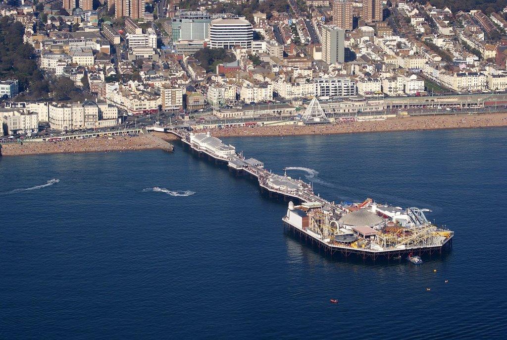 1613px-Brighton_Pier__Brighton__East_Sussex__England-2Oct2011_%281%29.jpg?1571041997