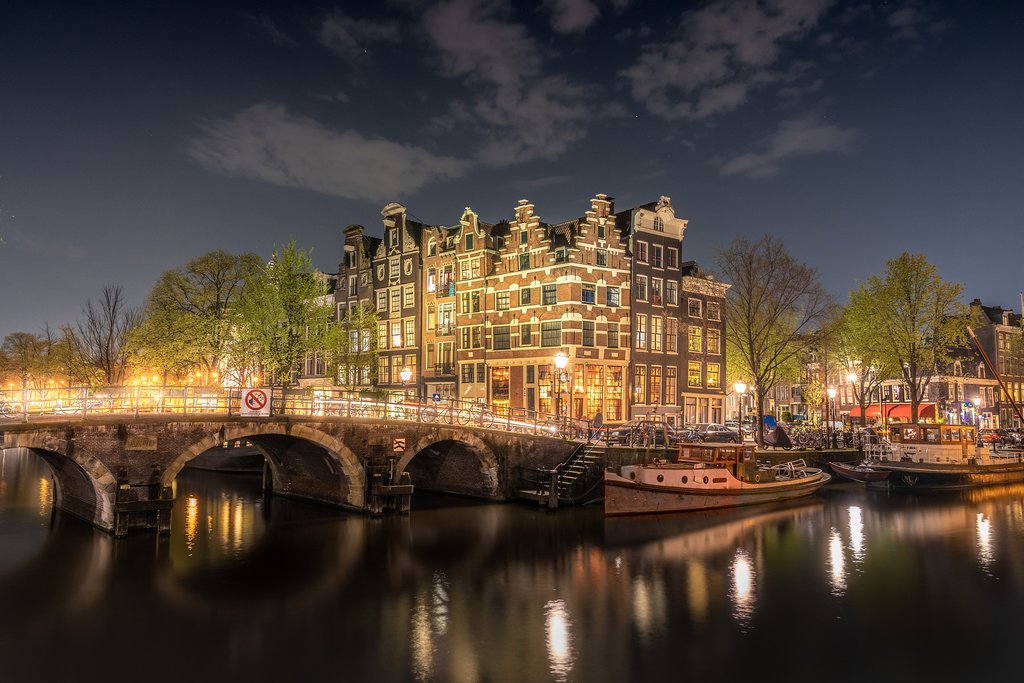 amsterdam-4230946_1920.jpg?1570802437