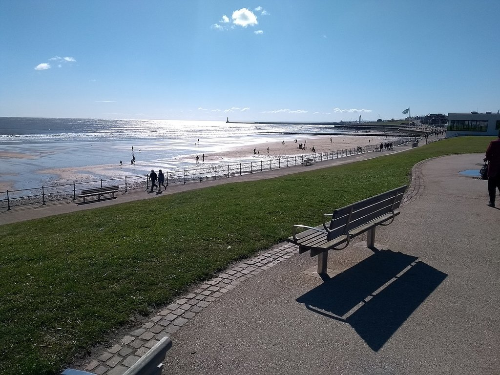 1440px-Seaburn_Beach__April_2018.jpg?1566835343