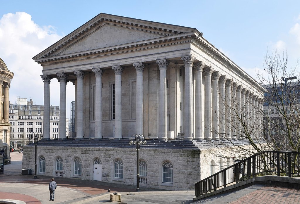 1584px-Birmingham_Town_Hall_from_Chamberlain_Square.jpg?1568106520
