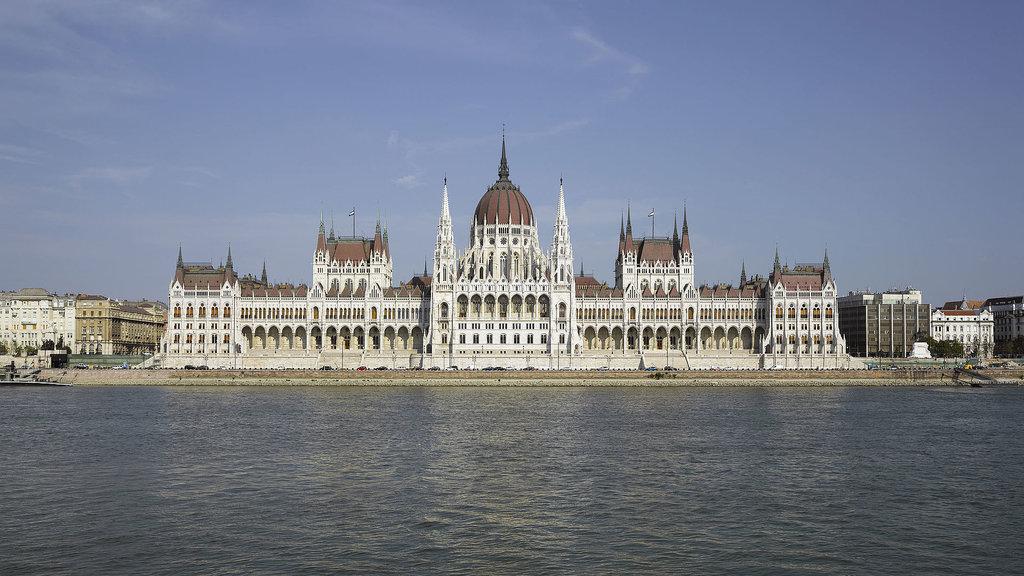 1920px-HUN-2015-Budapest-Hungarian_Parliament_%28Budapest%29_2015-01.jpg?1571916003