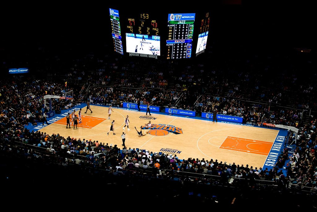 1613px-New-York_Knicks_in_the_Madison_Square_Garden_%286054203290%29.jpg?1571926764