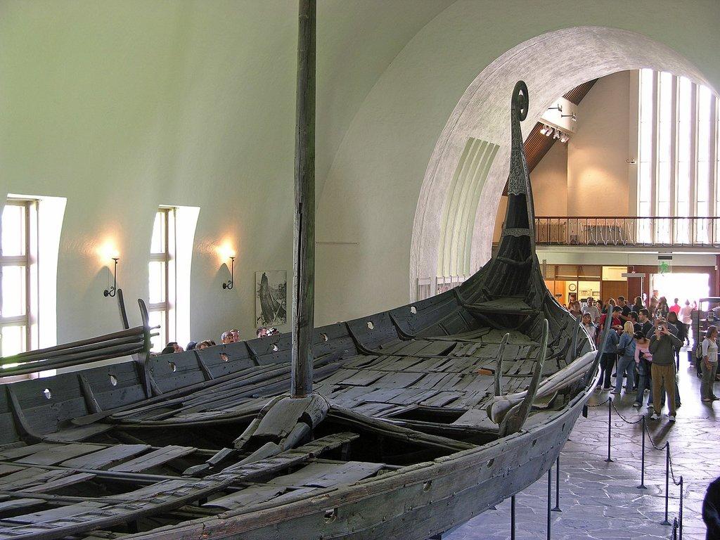 1440px-Wikingerschiff_Oslo.jpg?1569919385