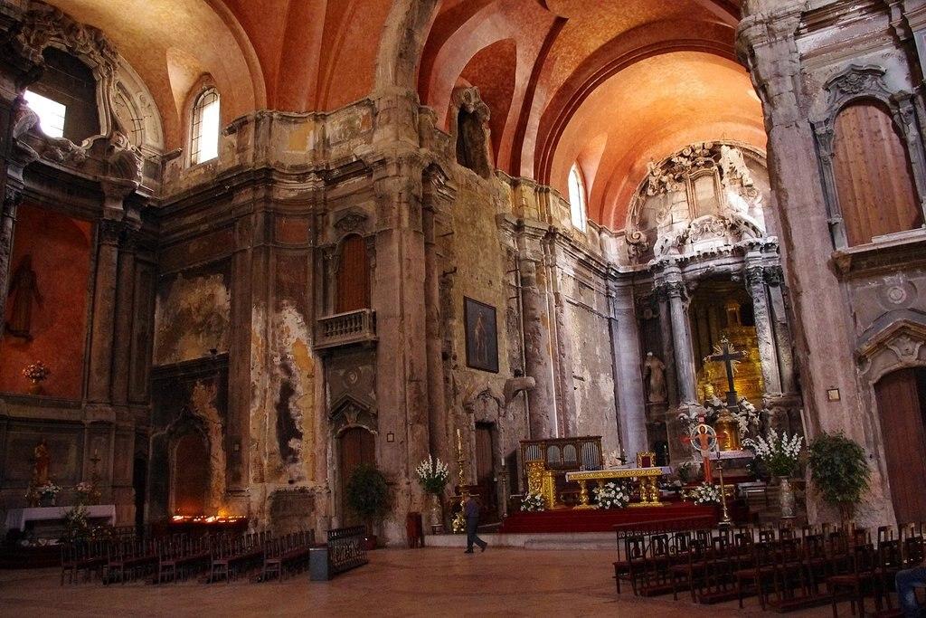 1620px-Igreja_de_S%C3%A3o_Domingos_Lizbona_prezbiterium.jpg?1572952961