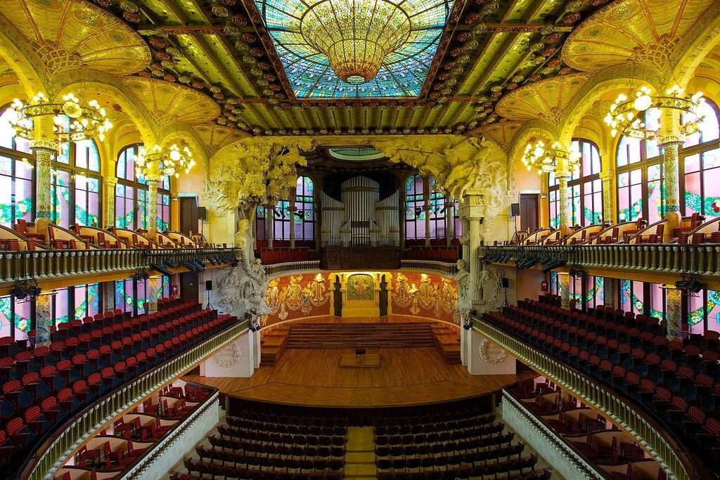 1620px-Palau_de_la_M%C3%BAsica_Catalana__the_Catalan_Concert_Hall.jpg?1573137309