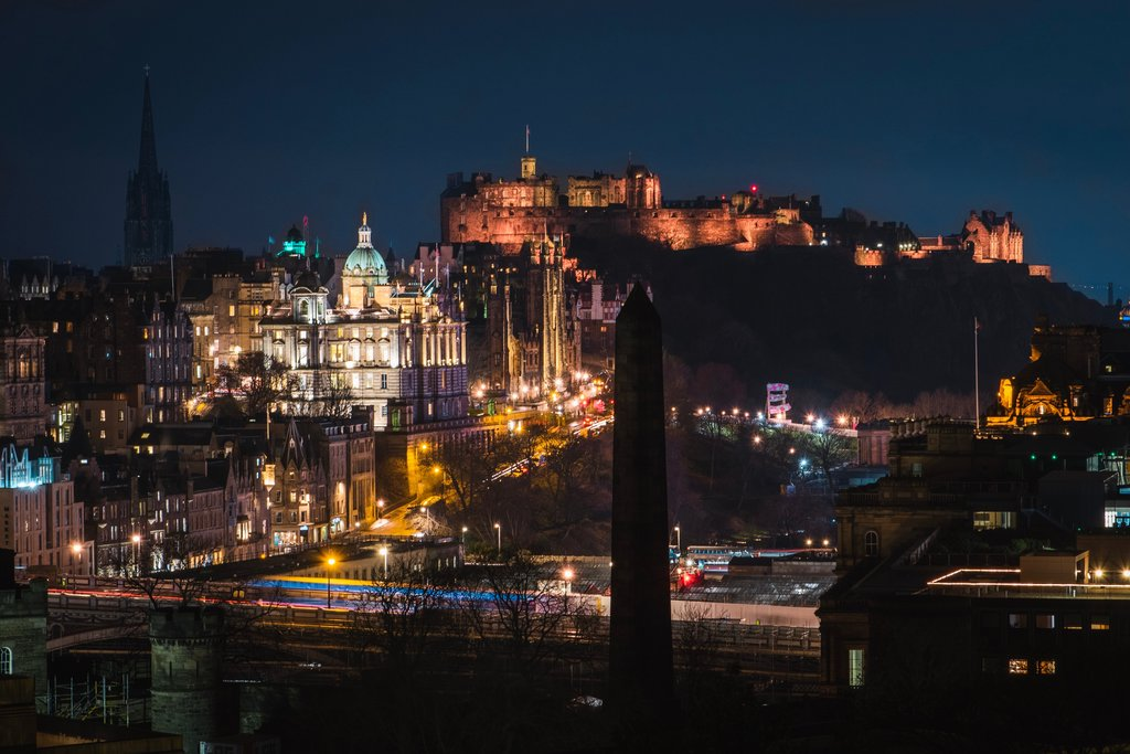 Edinburgh-at-Night.jpg?1572790012