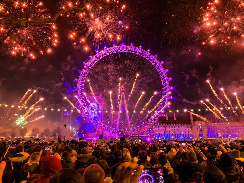 London-New-Year-Fireworks.jpg?1572790322