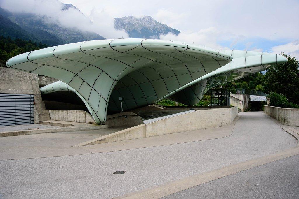 architecture-1618100_1920.jpg?1569428389
