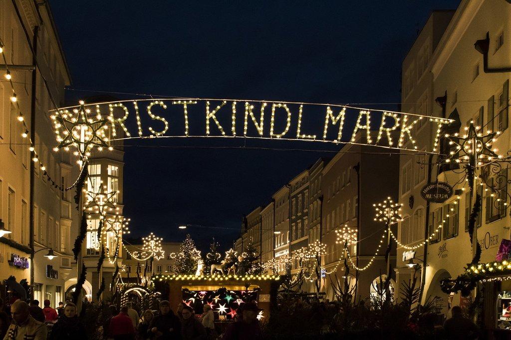 christmas-market-3854146_1920.jpg?1574096629
