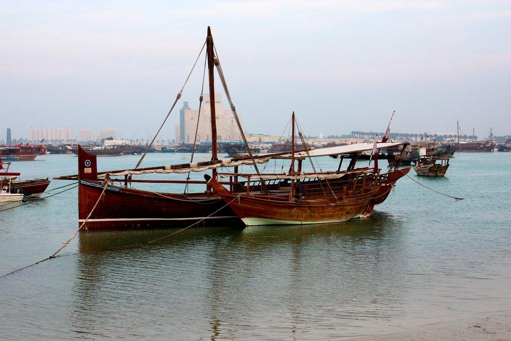 qatar_boat_doha-2580370_1920.jpg?1574435280