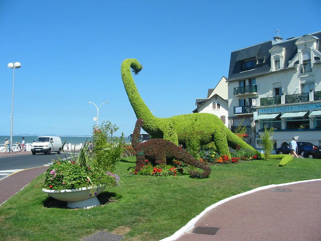 Villers-sur-mer_Les_dinosaures.jpg?1574606142