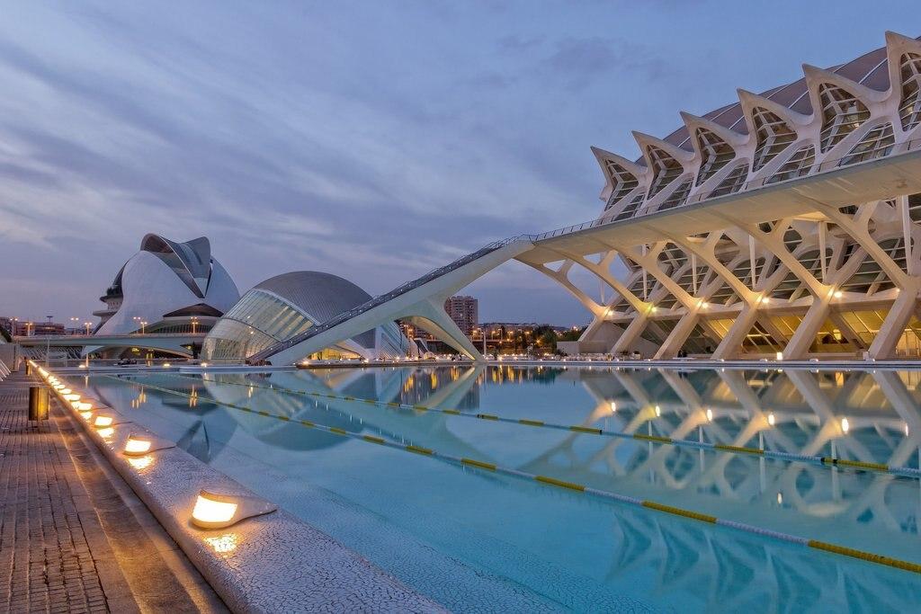 Ciudad_de_las_artes_Valencia.jpg?1561066048