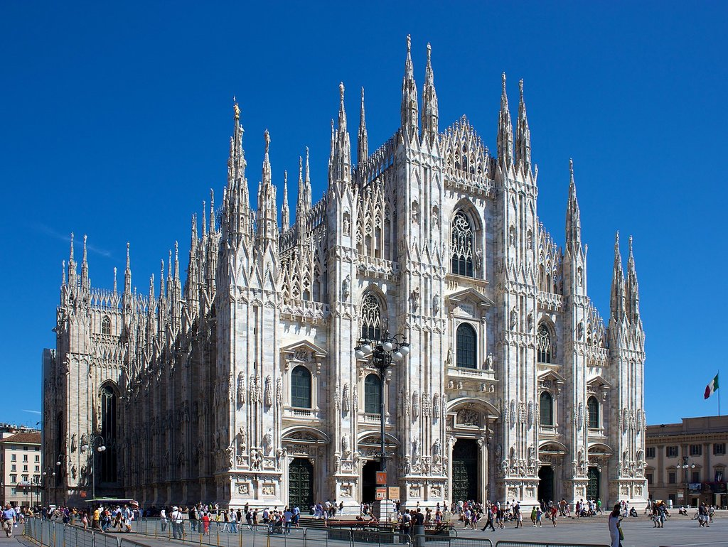 1437px-Milan_Cathedral_from_Piazza_del_Duomo.jpg?1561371646
