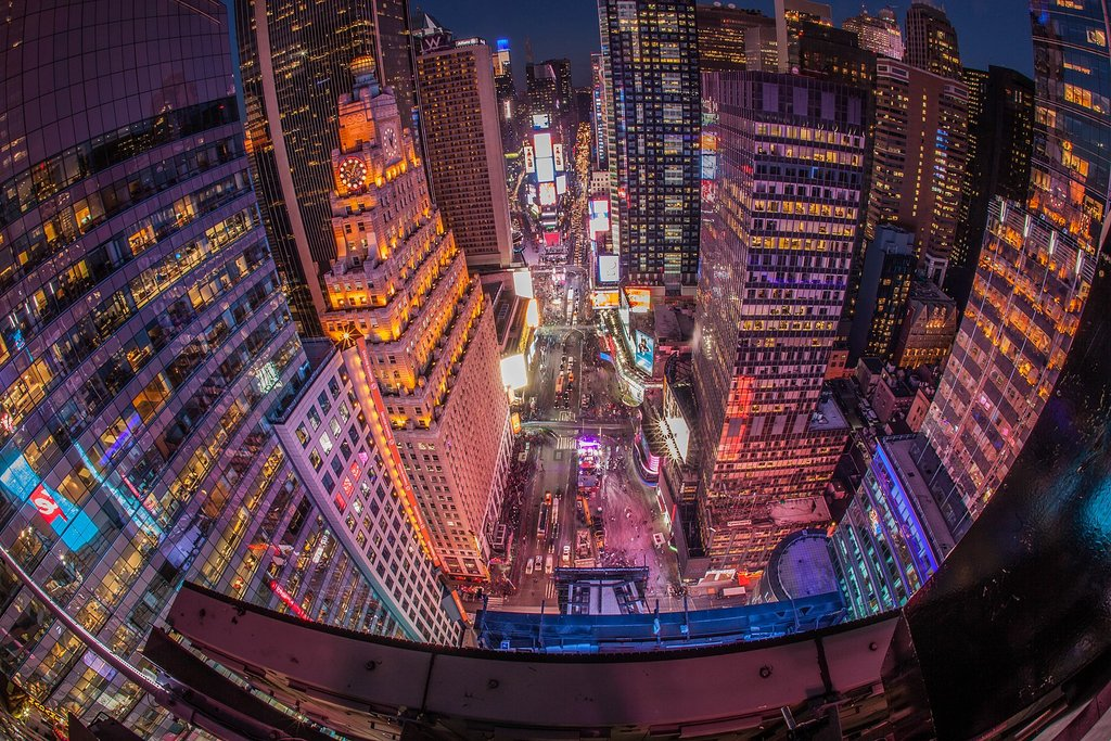 1620px-The_Night_Before_New_Year's_Eve_High_Above_Times_Square.jpg?1575384488