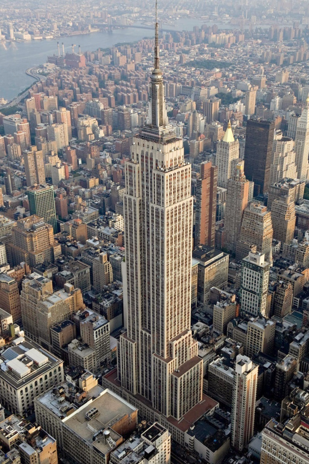 Empire_State_Building_%28aerial_view%29.jpg?1575384795