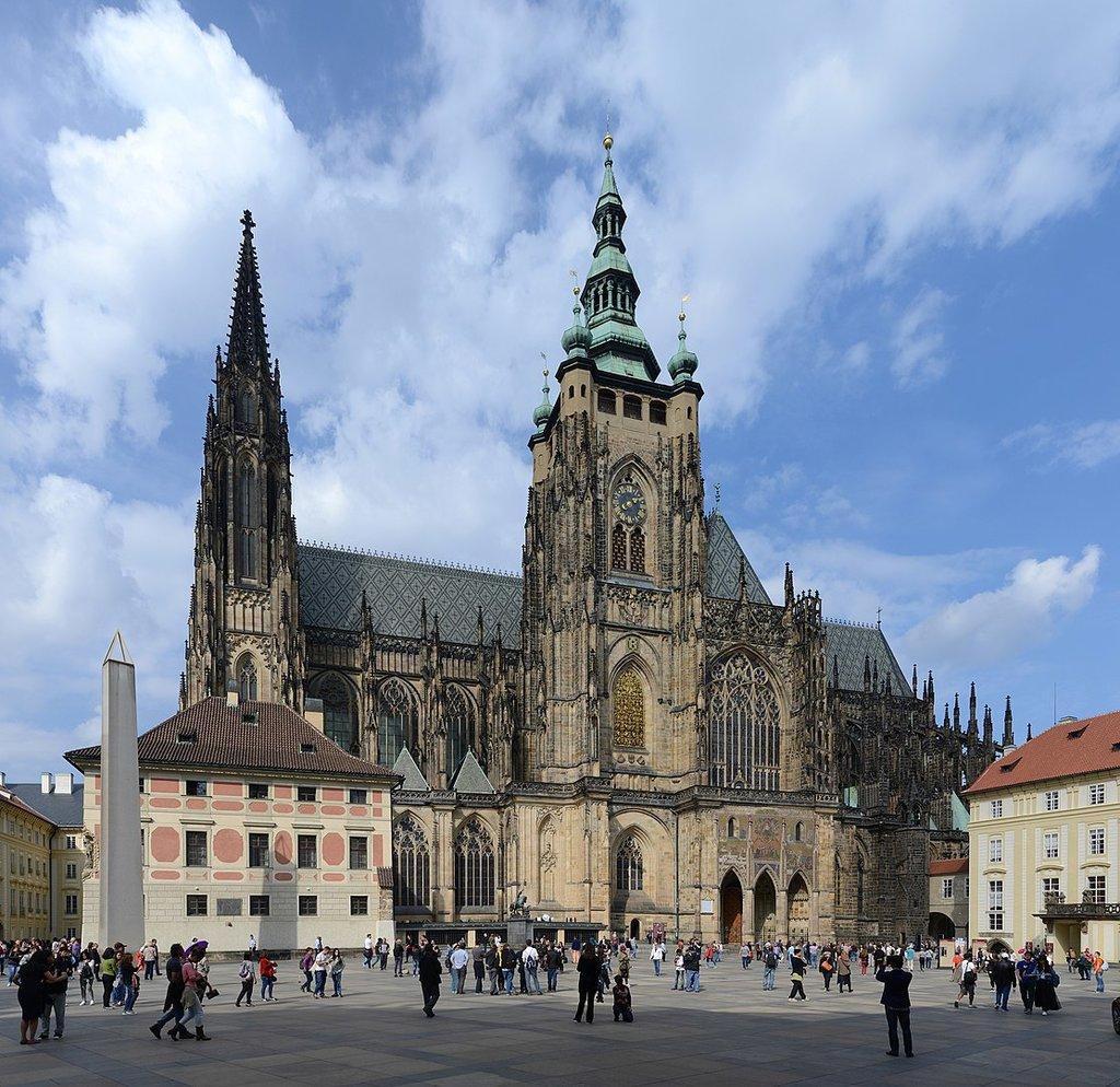 1113px-St_Vitus_Prague_September_2016-21.jpg?1575386526