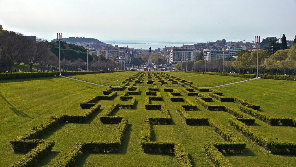 1916px-Lisboa__Parque_Eduardo_VII_%282%29.jpg?1576246419