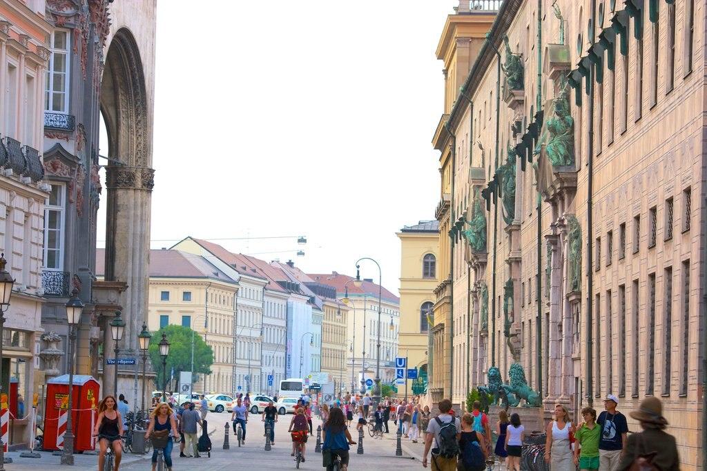 munich_Odeonsplatz_tm.jpg?1576504927
