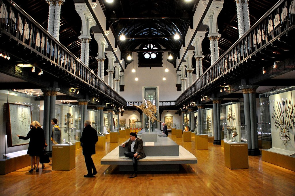 1626px-Main_Hall__the_Hunterian_Museum__Glasgow..JPG?1576684755