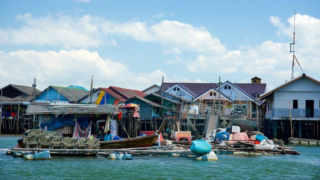 Ko Panyi featuring a coastal town