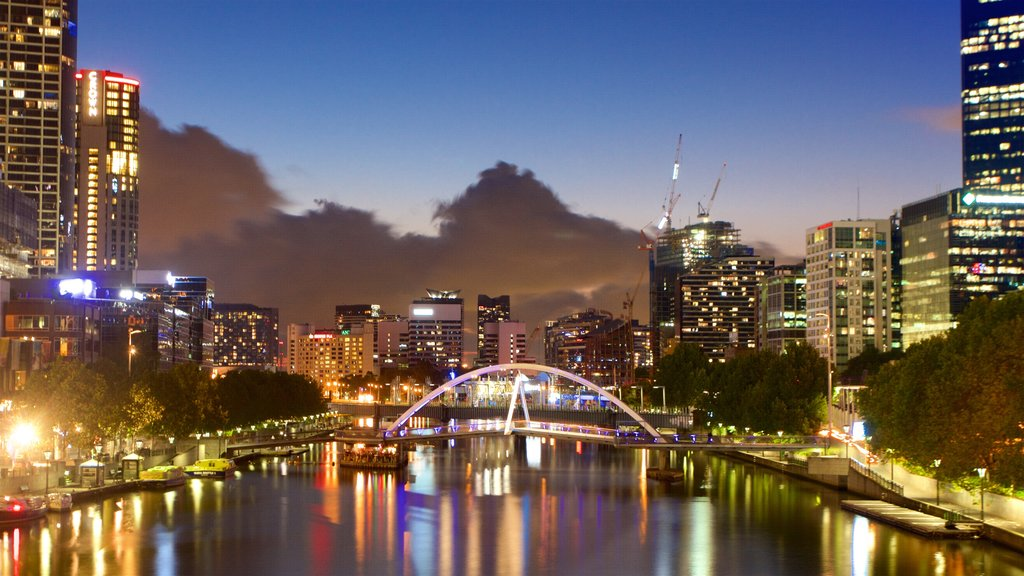 Southbank showing central business district
