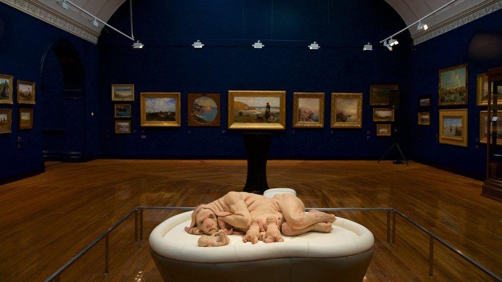 Bendigo Art Gallery showing interior views