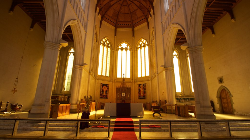 Bendigo featuring a church or cathedral, interior views and heritage elements