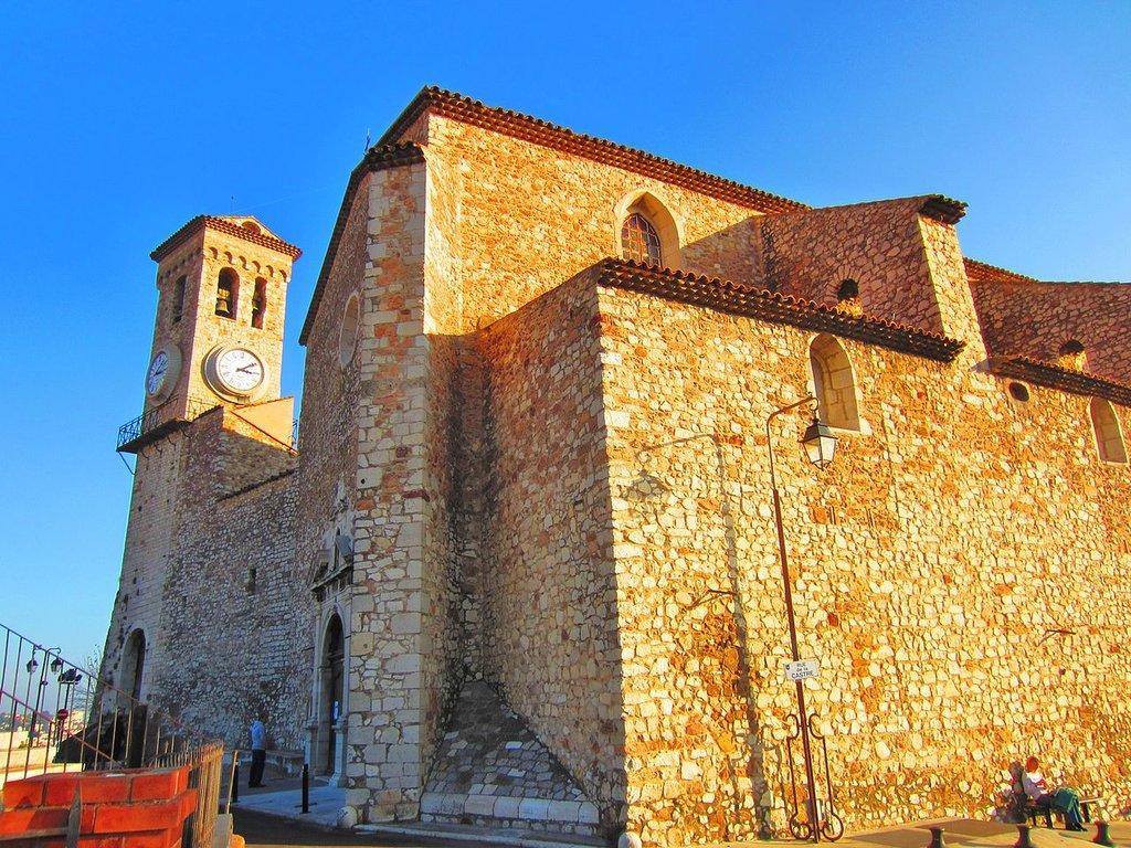 1280px-Eglise_suquet_Cannes.jpg?1579171320