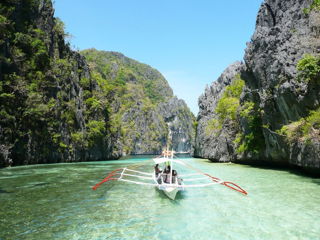 boat-el-nido-philippines.jpg?1579260514