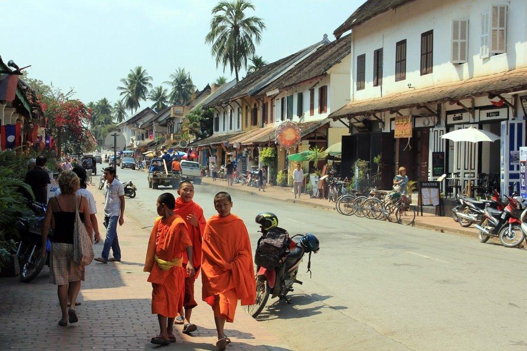 buddhist-monks-streets-luang-prabang.jpg?1579260549