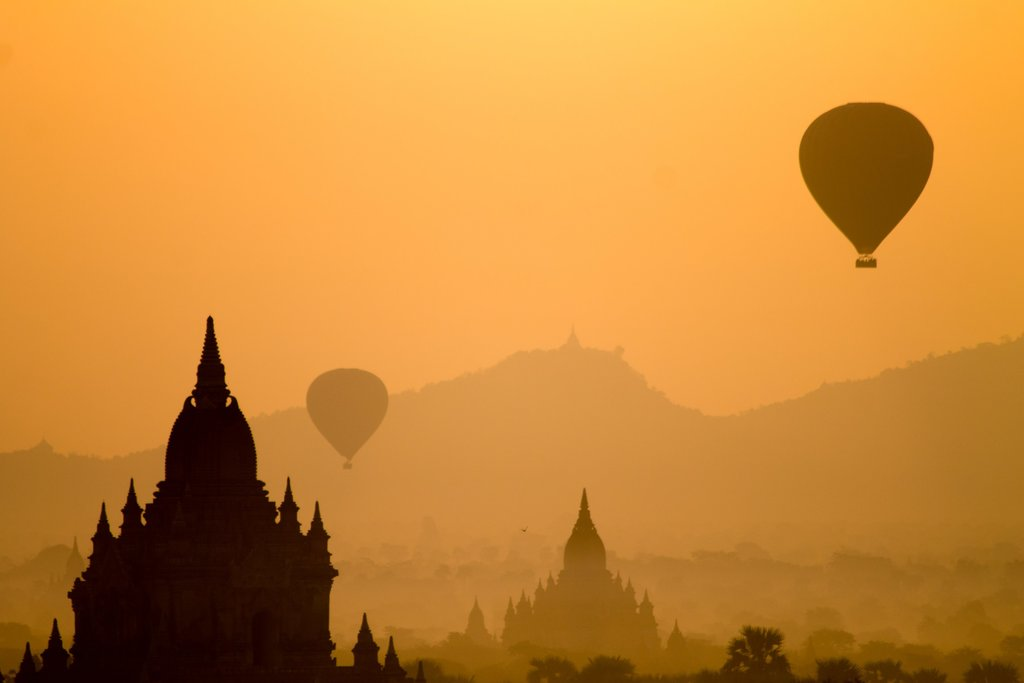 hot-air-balloon-bagan-myanmar.jpg?1579274433