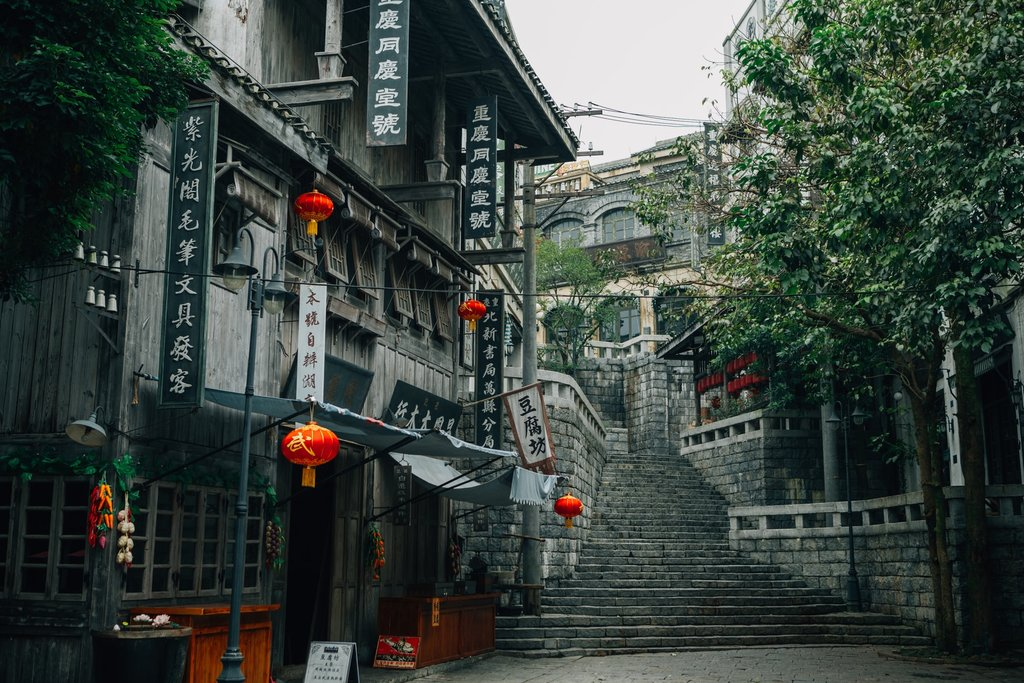 alleyway-haikou-hainan-china.jpg?1579275243