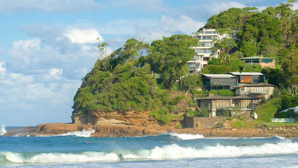 Avoca Beach featuring a bay or harbor, a coastal town and waves