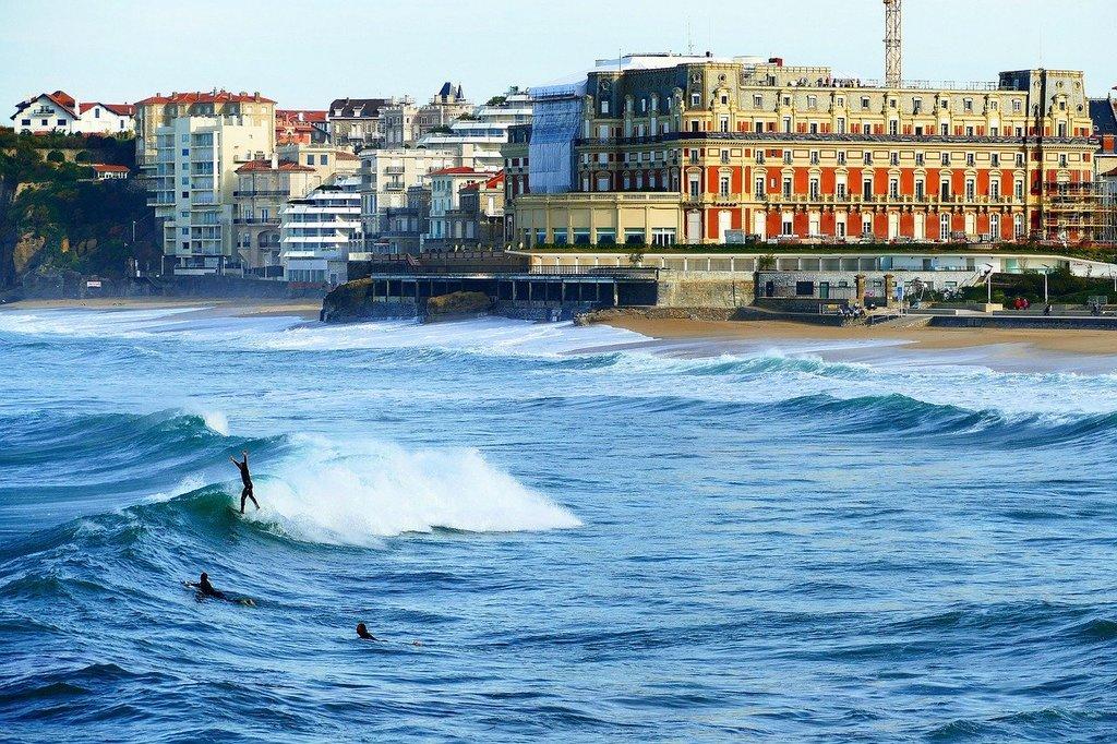 biarritz-4013618_1280.jpg?1578314439