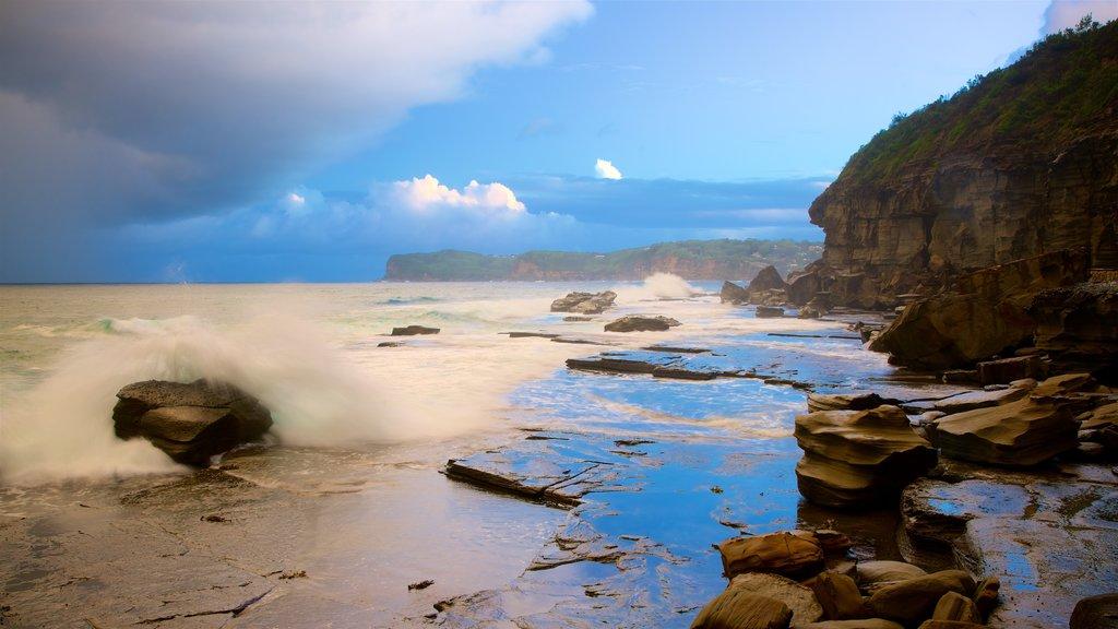 Broken Head which includes rugged coastline and general coastal views