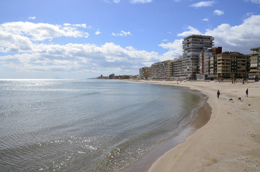 beach-2496412_1280.jpg?1578497129