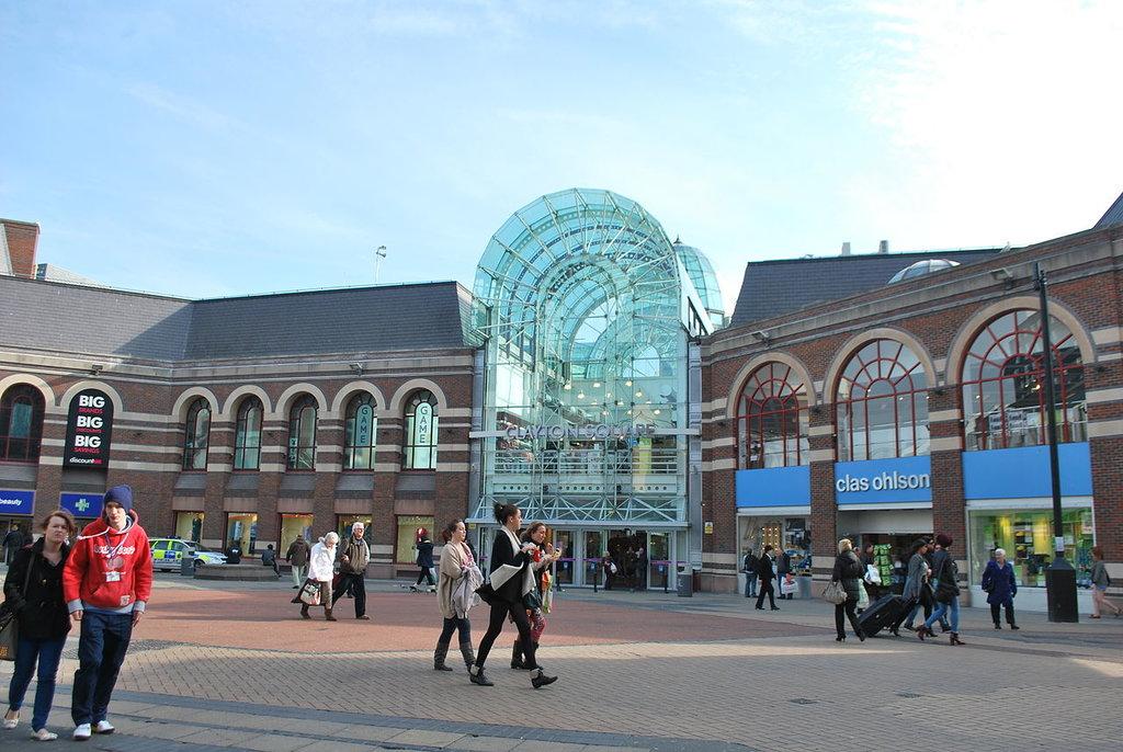 1280px-Clayton_Square_Liverpool.jpg?1579694390