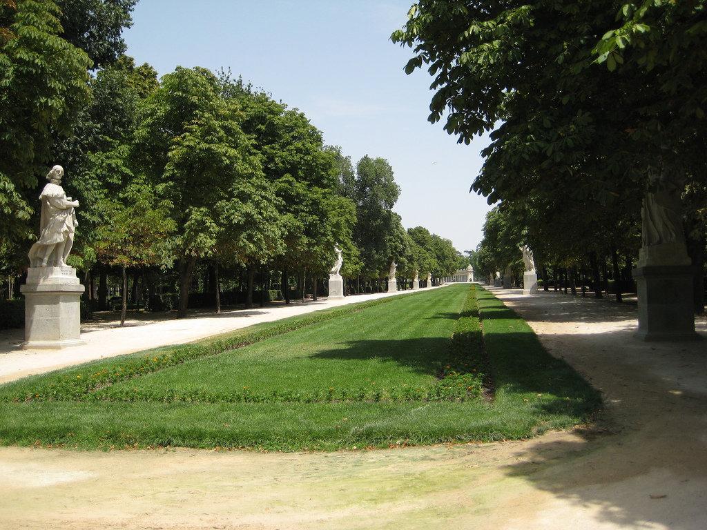 Paseo_de_la_Argentina_%28Retiro__Madrid%29_03.jpg?1579796138